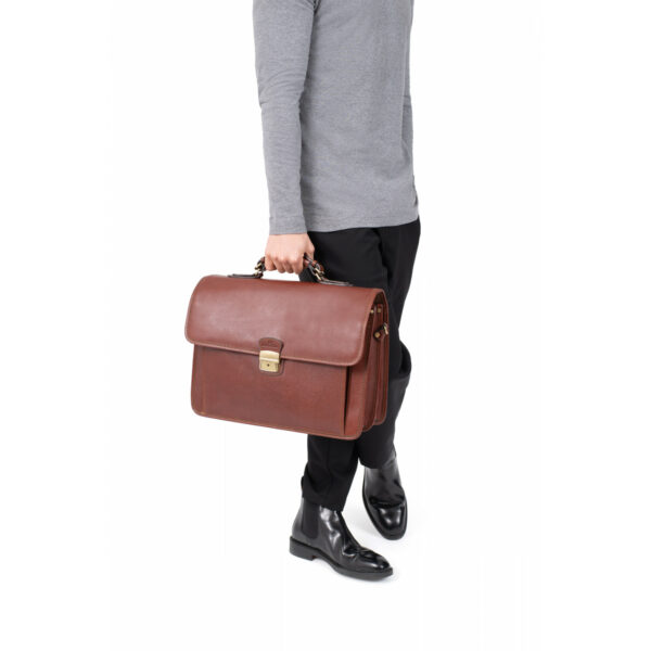a4-leather-satchel-119057